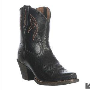 Black Ariat snip toe western bootie sz. 10B